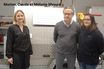 Marion, Claude et Mélanie Mesuré, Water Hoe
